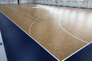 1100 m2-es sport linóleum cseréje